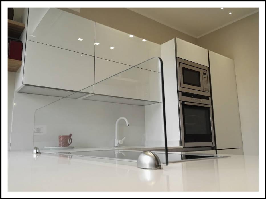 Cucina veneta cucine in vetro lucido modello ri-flex, colore bianco ...