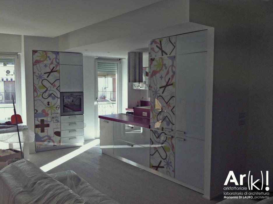 Tetris_House Soggiorno moderno di arkfattoriale Moderno