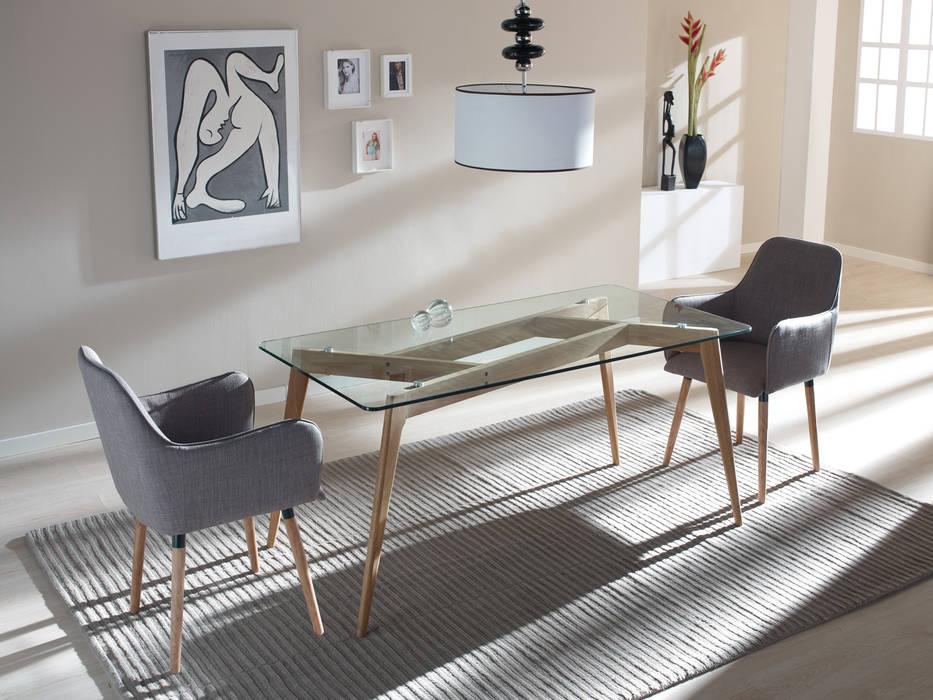 Conjunto comedor con mesa y dos sillones: comedor de estilo de ...