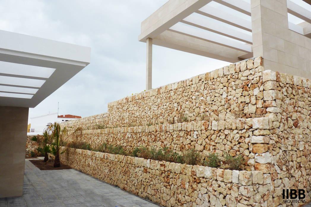 Casas  por iibbarquitectes, Moderno