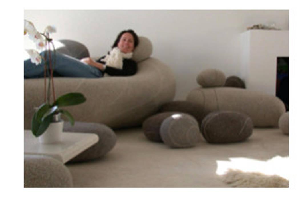 S'entourer de ses bons éléments pour un meilleur bien être : Chambre de style de style Moderne par Myriem de Poncins