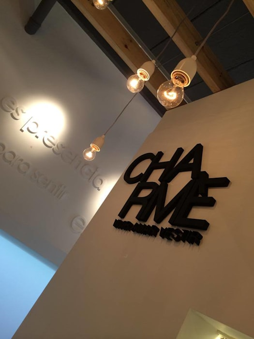 Boutique Charme : Shoppings y centros comerciales de estilo  por DX ARQ - DisegnoX Arquitectos,Moderno