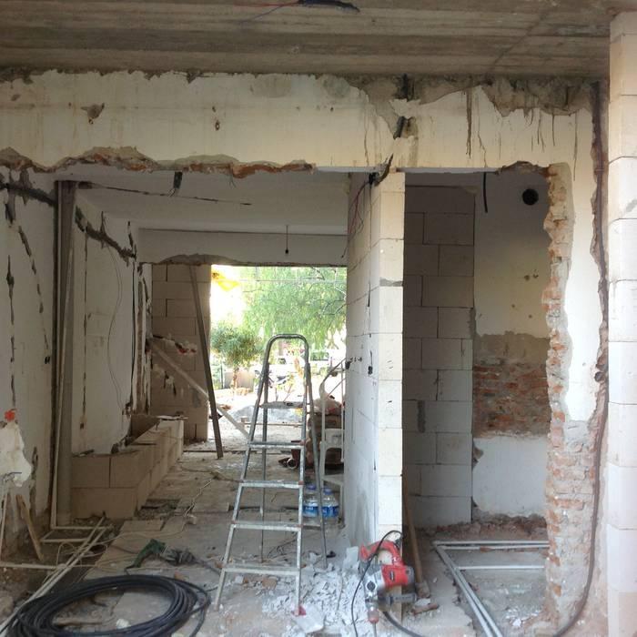 House architectural renovation por Pil Tasarım Mimarlik + Peyzaj Mimarligi + Ic Mimarlik