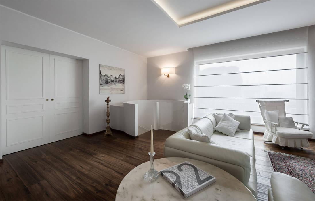 I neutri perfetti soggiorno in stile di melissa giacchi for Architetto d interni