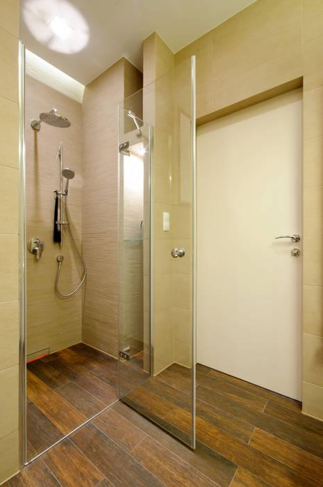 Łazienka z prysznicem w stylu SPA Nowoczesna łazienka od ZAWICKA-ID Projektowanie wnętrz Nowoczesny