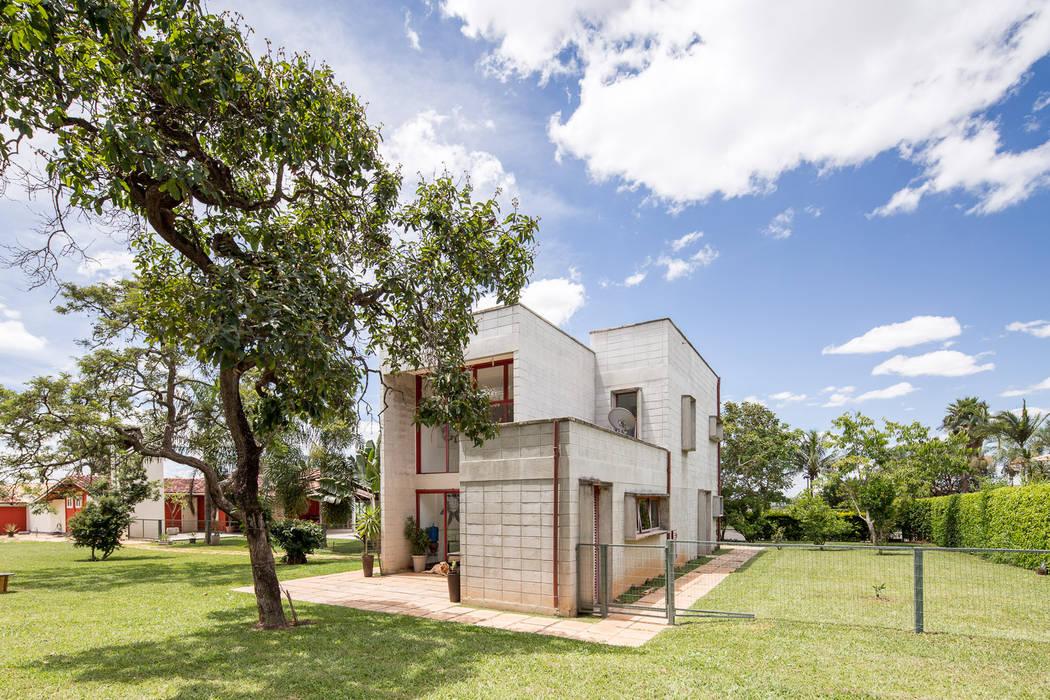 Casas de estilo industrial de Joana França Industrial Concreto