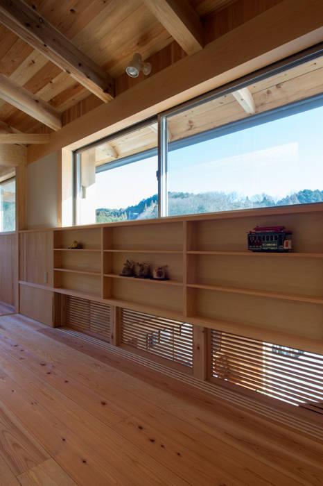 Ruang Media Gaya Eklektik Oleh 大森建築設計室 Eklektik Kayu Wood effect