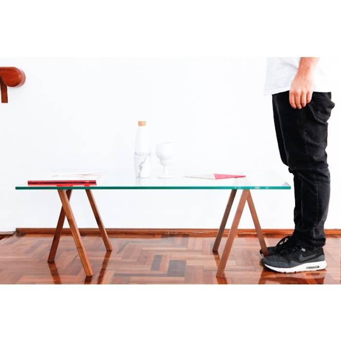 Mesas: Salas de estilo  por Disenia