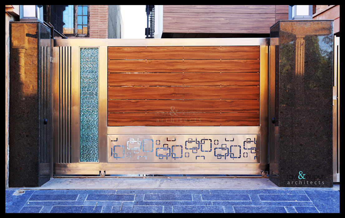 Gate Detail Modern windows & doors by RAVI - NUPUR ARCHITECTS Modern Wood Wood effect