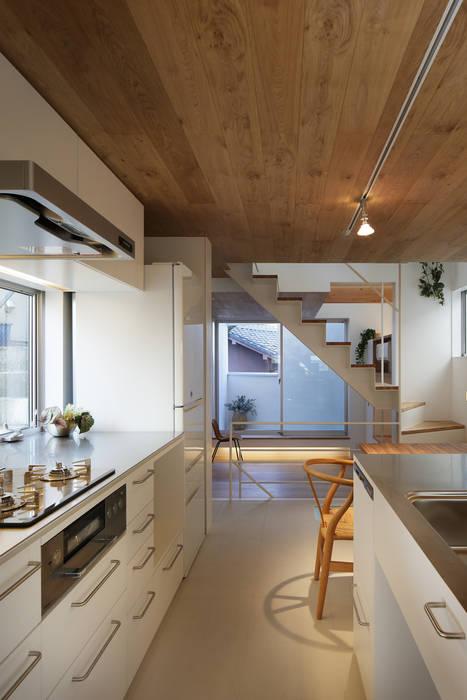 白金の家 アトリエ スピノザ 北欧デザインの キッチン