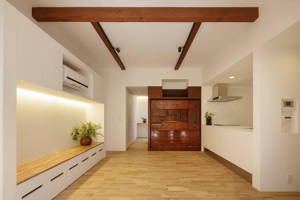 Scandinavian style living room by アトリエ スピノザ Scandinavian