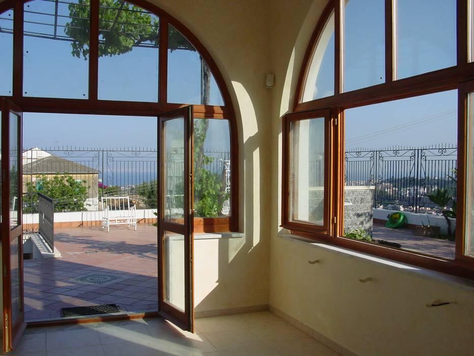Classic style conservatory by Ing. Edoardo Contrafatto Classic