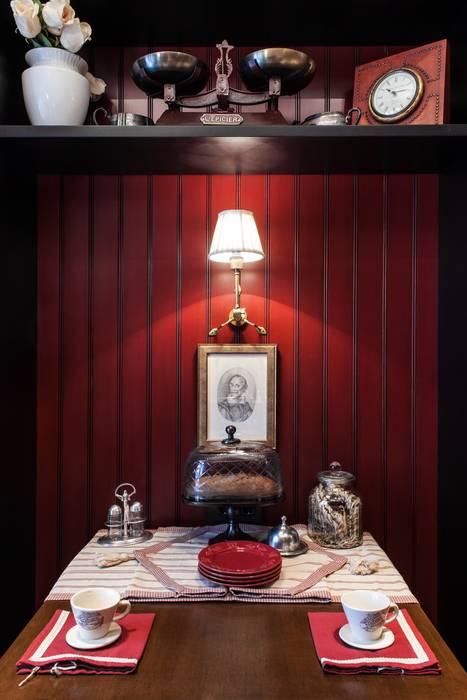 The apartment in Moscow 03: Cuisine de style de style Classique par Petr Kozeykin Designs LLC, 'PS Pierreswatch'