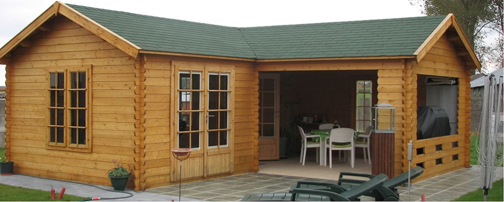 Large l shape Garden Building:  Spa by Cotswold Garden Buildings, Classic Wood Wood effect