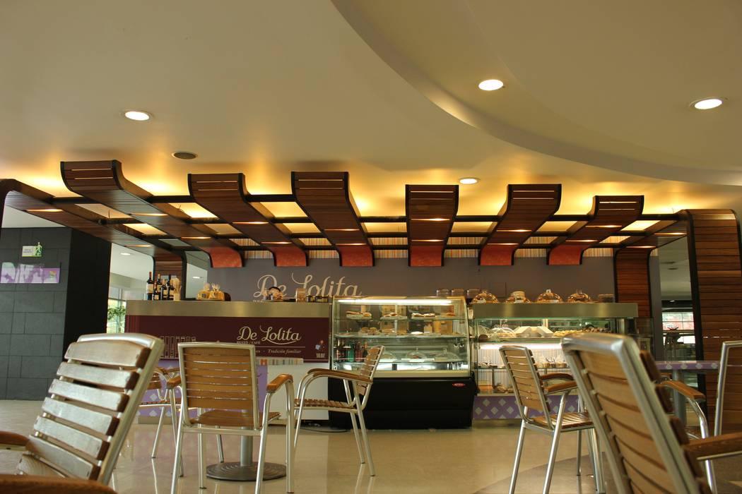 DeLolita Centro Comercial Mayorca: Centros comerciales de estilo  por @tresarquitectos, Moderno