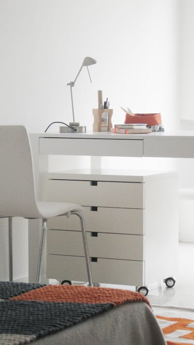 Guardado + Home Office de MINBAI Minimalista Madera Acabado en madera