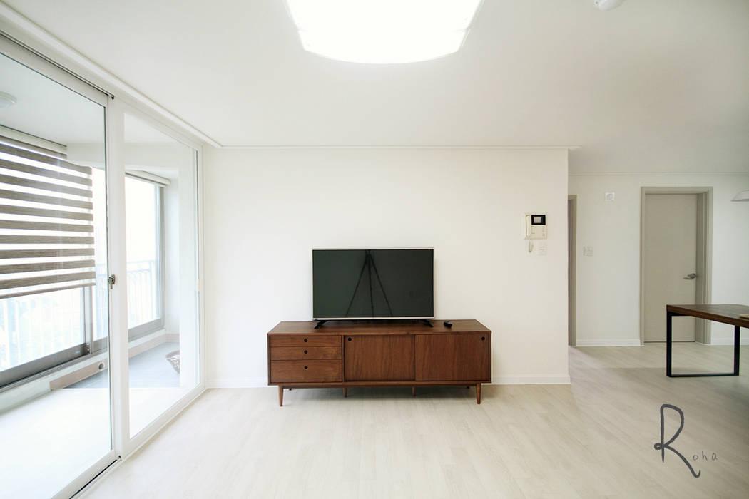 기본에 충실한 24평 신혼집 인테리어 로하디자인 컨트리스타일 거실
