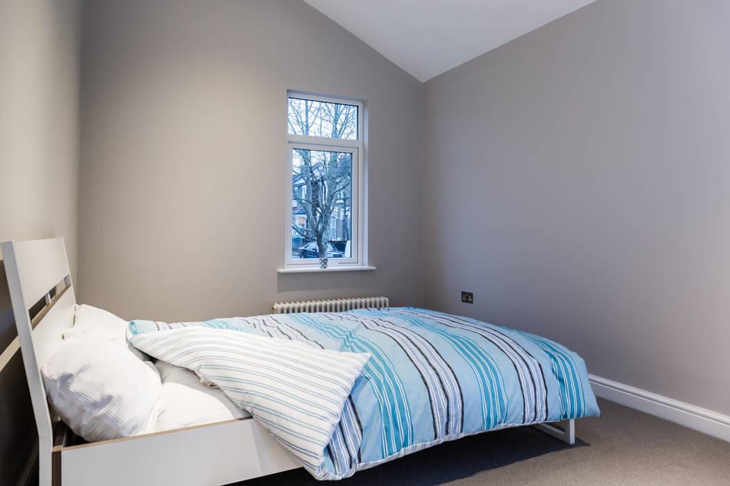 Landcroft Road - East Dulwich:  Bedroom by Oakman