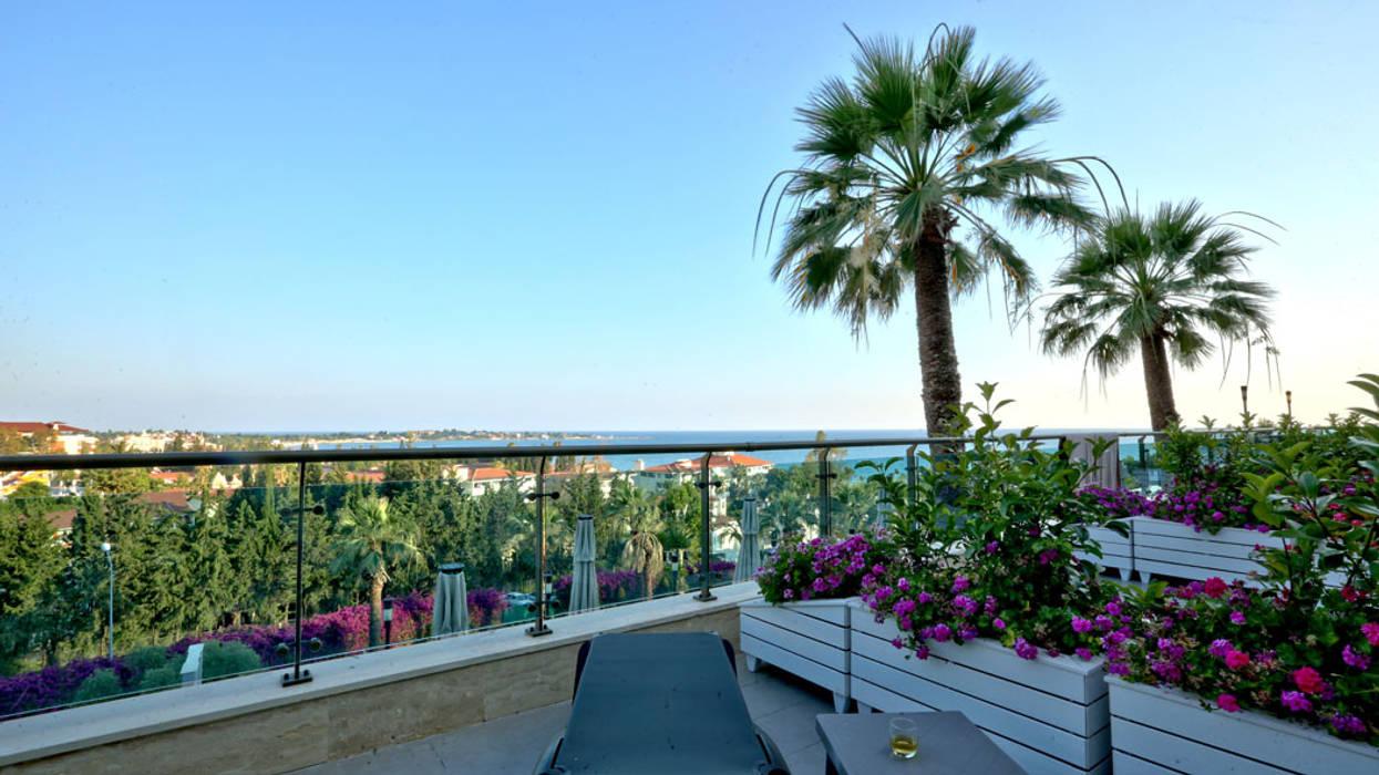 Balcones y terrazas de estilo mediterráneo de Nota Tasarım Peyzaj Mimarlığı Ofisi Mediterráneo