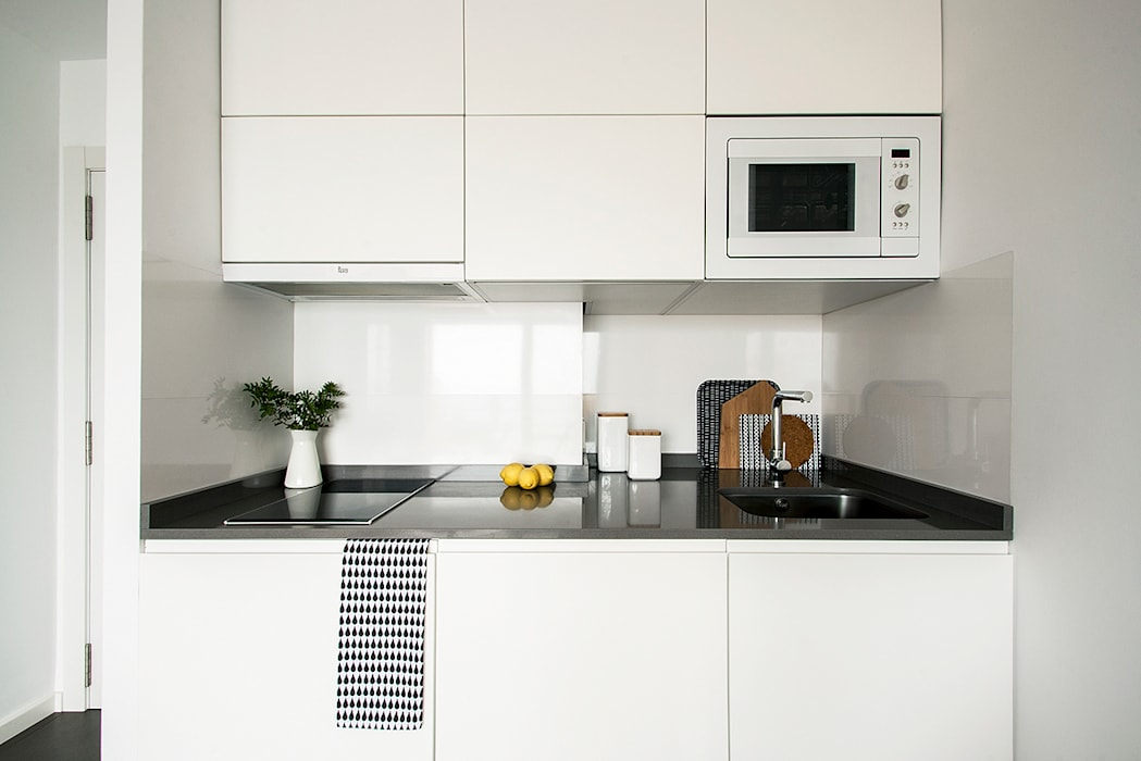 Kitchen by V+M ARQUITECTOS, Scandinavian