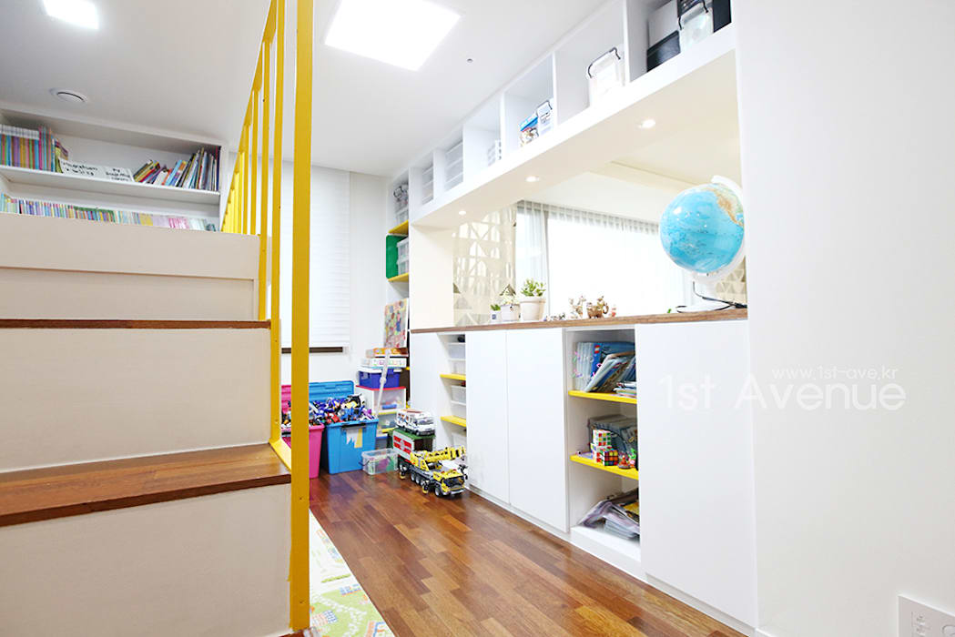 집안에 아이들의 놀이터가 마련되어있는 인테리어  : 퍼스트애비뉴의  아이방