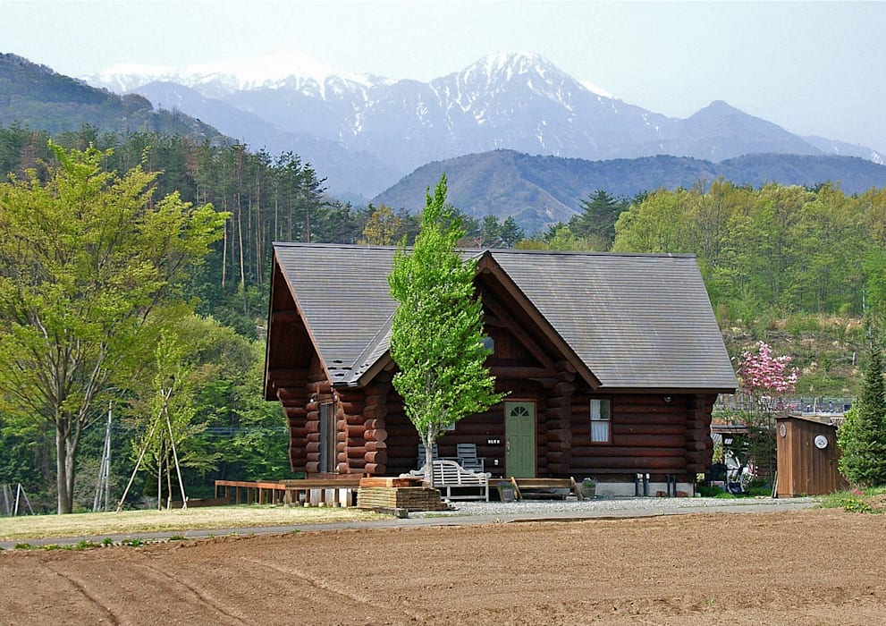 Log Cabin beside Japan Alps Country style house by Cottage Style / コテージスタイル Country Wood Wood effect