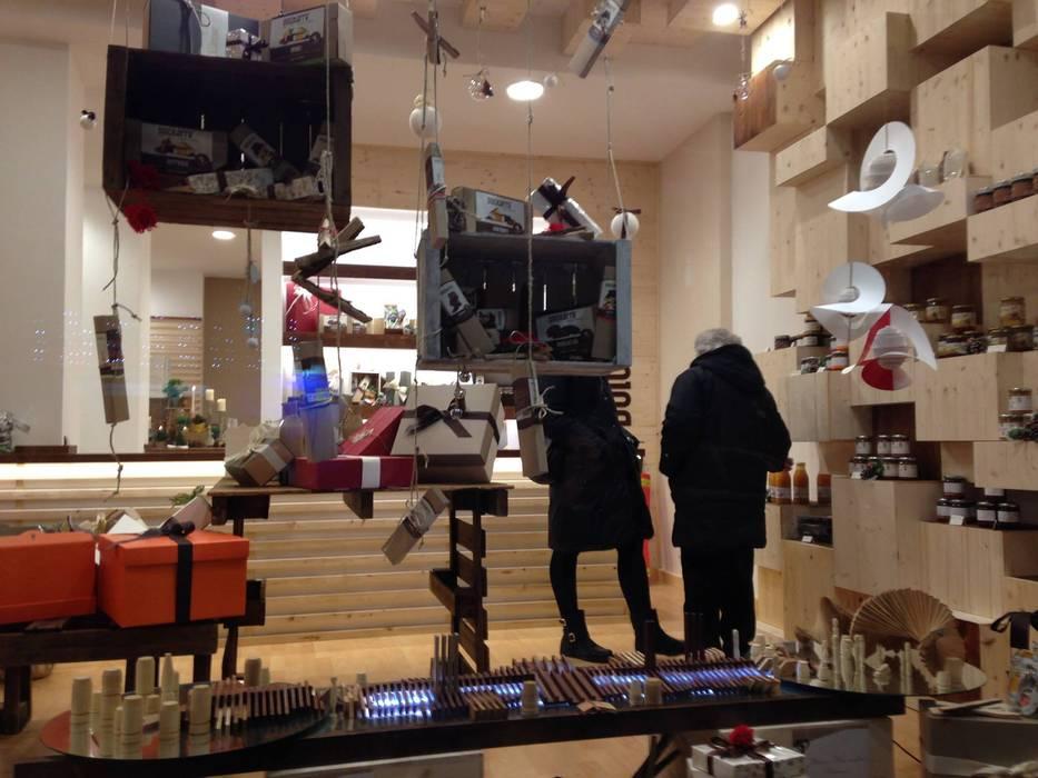 Store DolciTerre _ Vetrina: Negozi & Locali commerciali in stile  di AG Interior Design