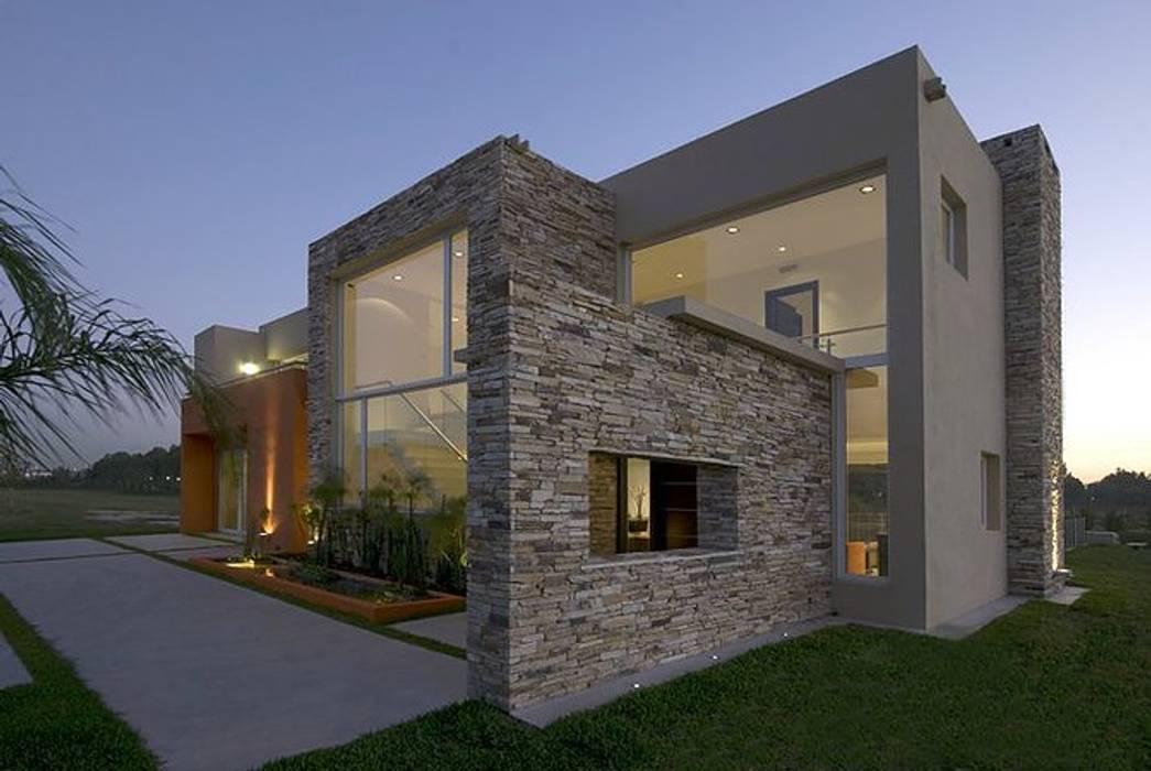 Casa M Casas modernas: Ideas, imágenes y decoración de Estudio PM Moderno