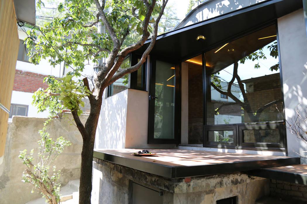 Casas modernas de IEUNG Architect Moderno