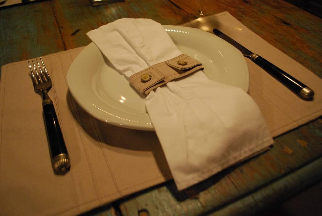Individual y anillo pampa. Línea Gaucha.: Comedores de estilo  por protocolo criollo®