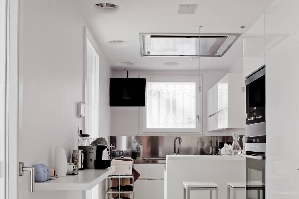 Modern Kitchen by Studio Olmeda Arch. Marco Amedeo Modern