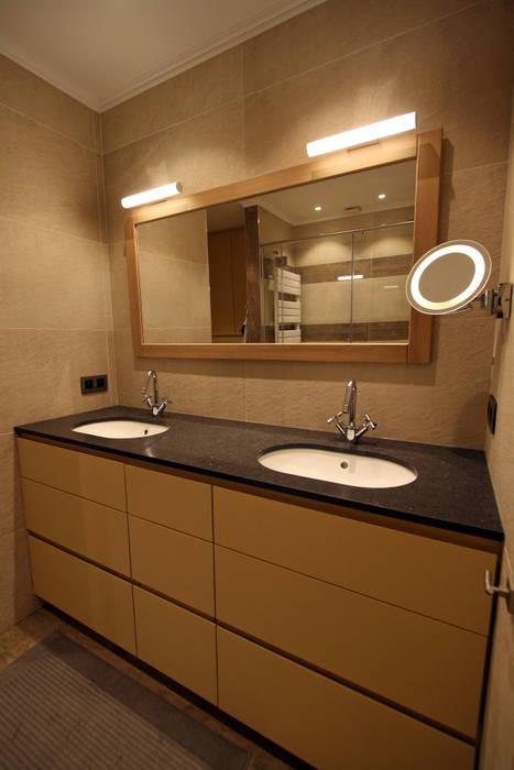 Restyling van een badkamer:  Badkamer door Sfeerontwerp