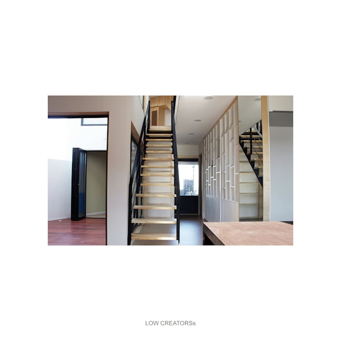 patio-stair-hall: LOW CREATORs의  복도 & 현관