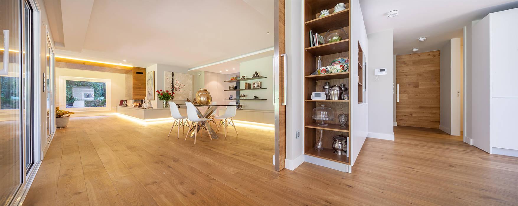 Hành lang, sảnh & cầu thang phong cách hiện đại bởi Tarimas de Autor Hiện đại Gỗ Wood effect