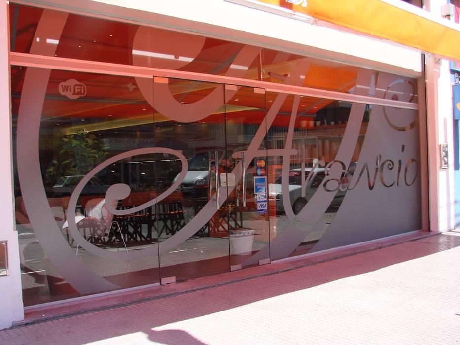 Foto Obra terminada Heladeria Arancio- La Tablada - Pcia de Bs As - Argentina.: Bares y Clubs de estilo  por Vision Digital Architecture,Moderno