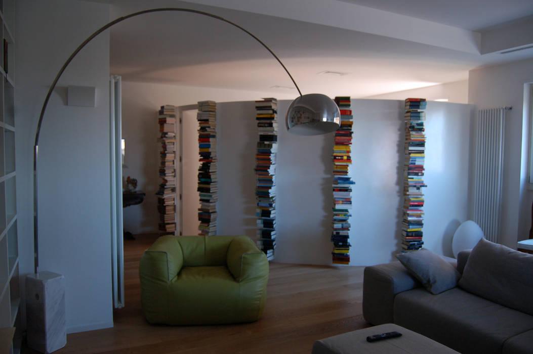 casa DC: Studio in stile in stile Moderno di Rosa Gorgoglione Architetto