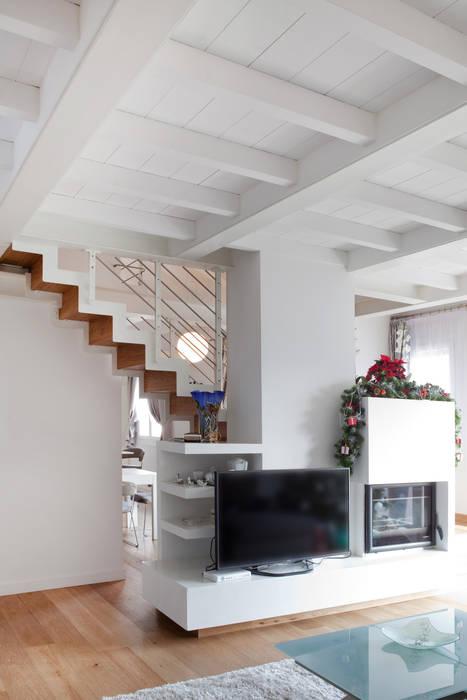 senzanumerocivico Modern living room