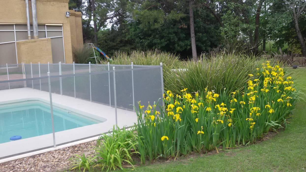 Jardines de estilo  de LAS MARIAS casa & jardin, Moderno