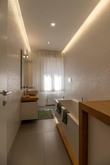 Bartolucci Architetti Salle de bain moderne Blanc