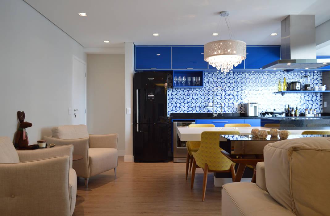 Apartamento 73m²: Salas de jantar  por Fabiana Rosello Arquitetura e Interiores,