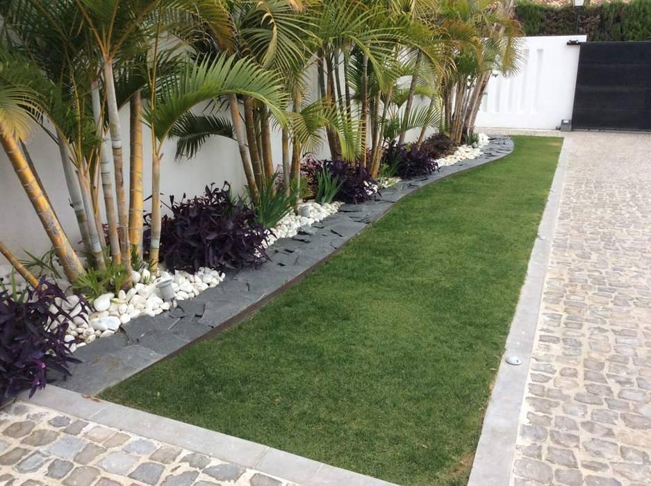 Jardines de estilo  por Beatrice Perlac - Adarve Jardines