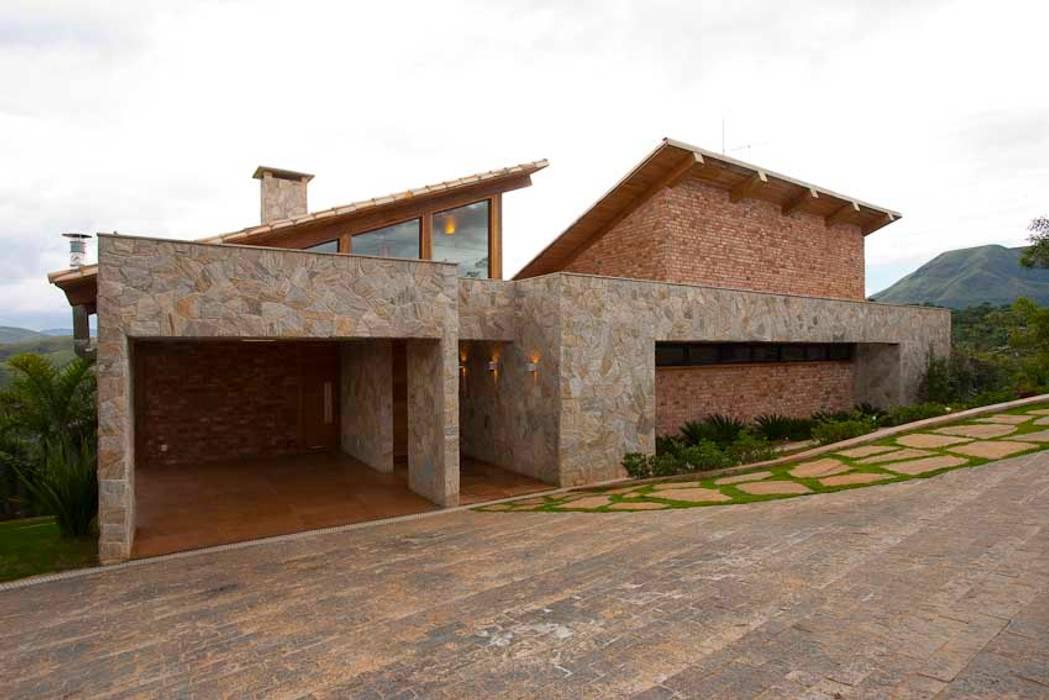 Mountain House Casas de estilo rústico de David Guerra Arquitetura e Interiores Rústico