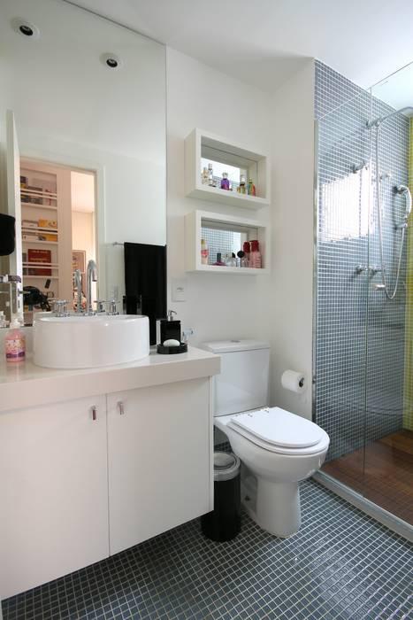 Baños de estilo  de MeyerCortez arquitetura & design, Moderno