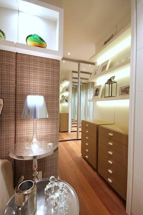 Dormitorios de estilo moderno de MeyerCortez arquitetura & design Moderno