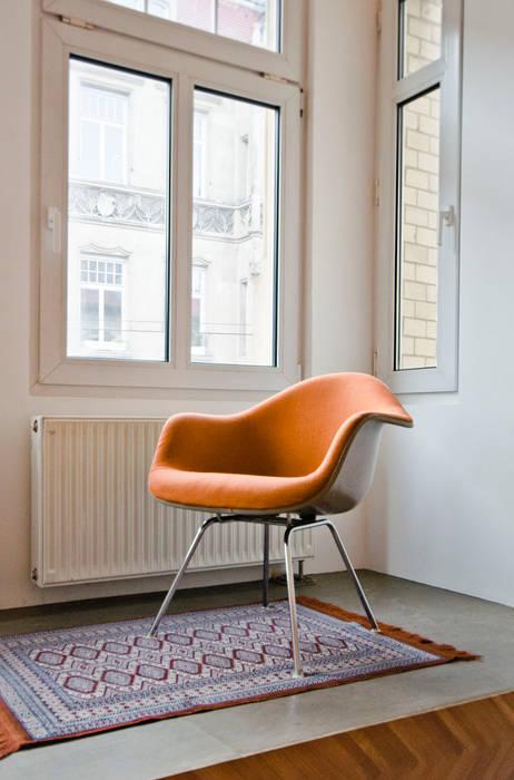 Salones de estilo moderno de Studio DLF Moderno