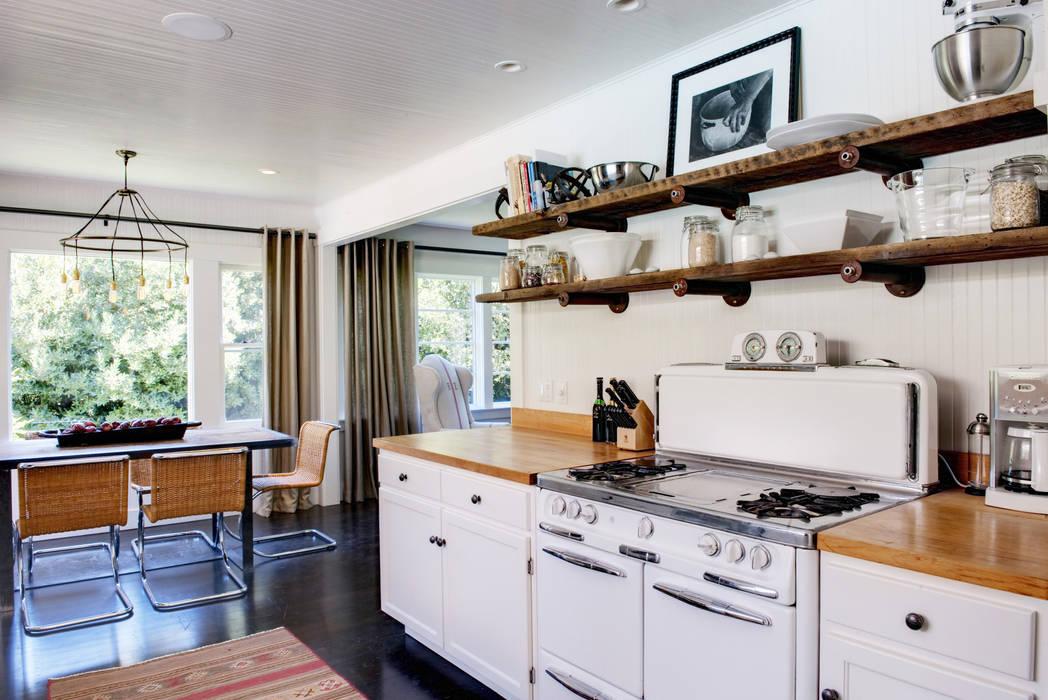 Kitchen by Antonio Martins Interior Design Inc