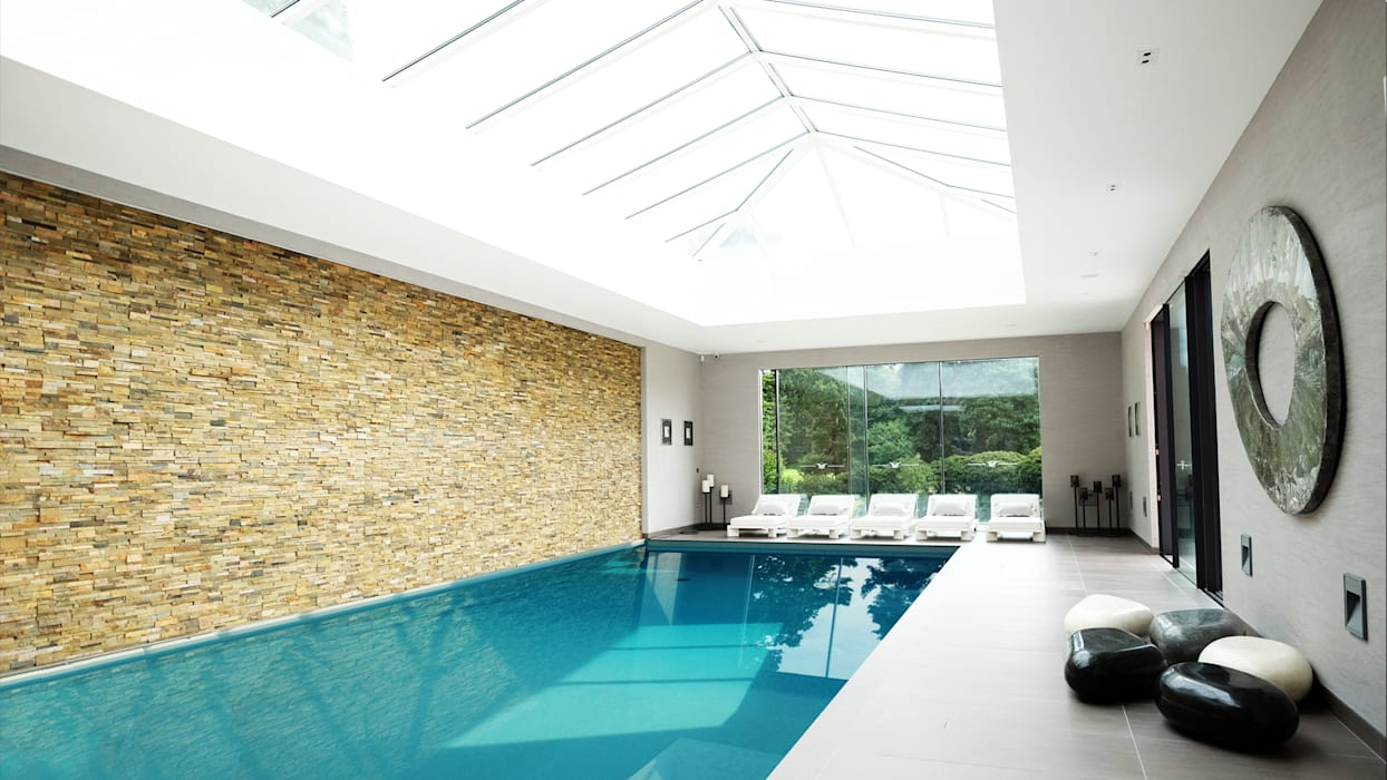 Private Villa, Surrey Keir Townsend Ltd. Modern pool