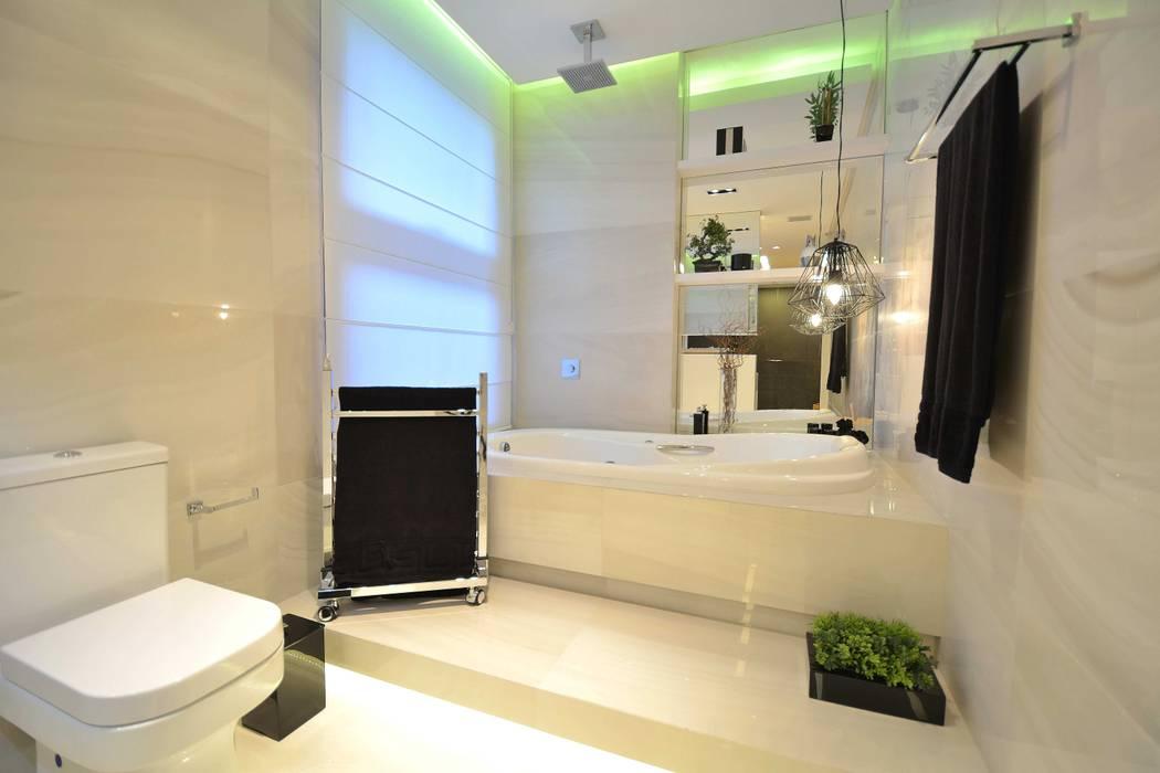 Salle de bains de style  par Marcelo Minuscoli - Projetos Personalizados, Moderne