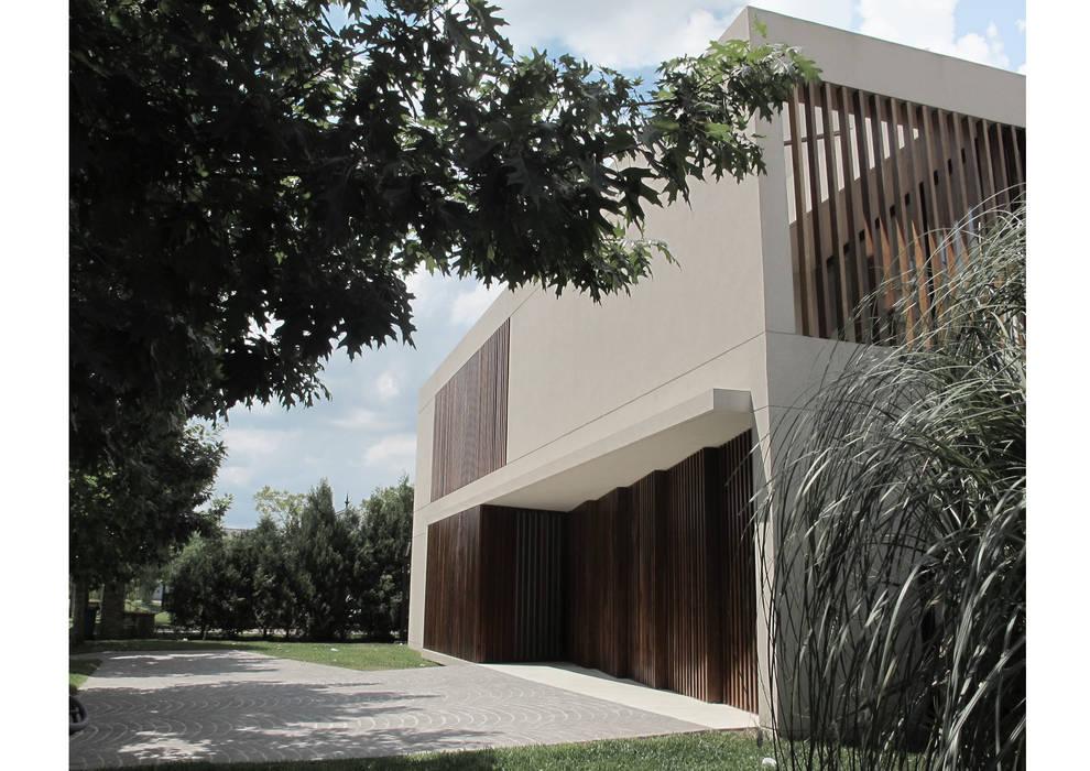 Maisons modernes par FILM OBRAS DE ARQUITECTURA Moderne Béton