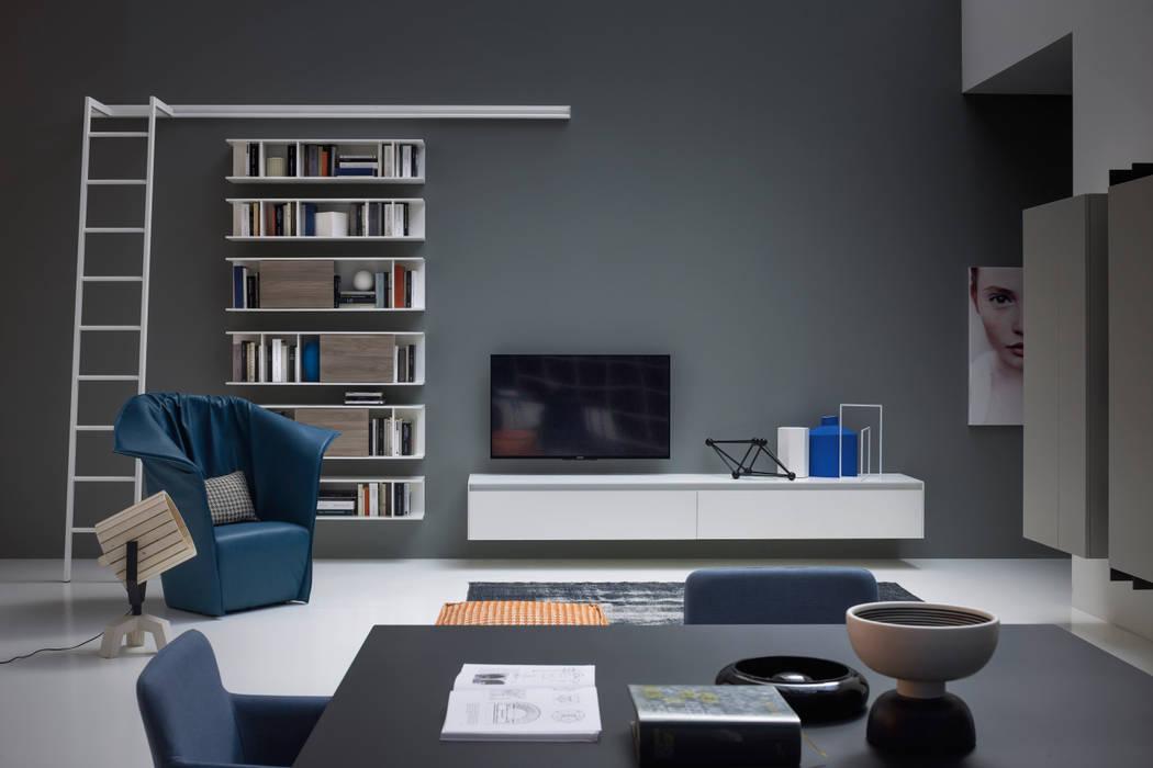 Reverse tv lowboard hängend weiß matt: wohnzimmer von livarea | homify